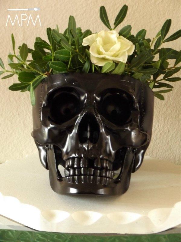 Teschio con fiori per Halloween