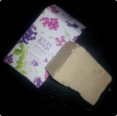cosmetica-natural-admirabox-diciembre-uvas-frescas
