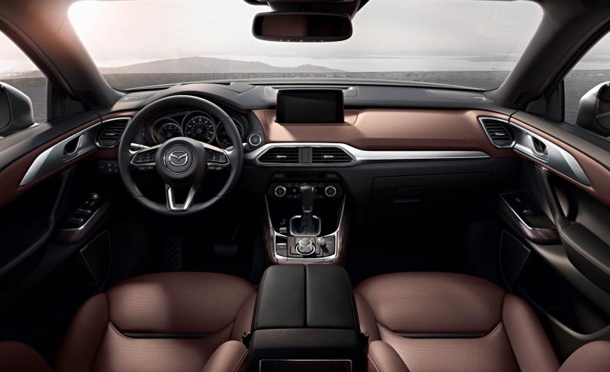Đơn giản nhưng hiệu quả, đó là nội thất của Mazda