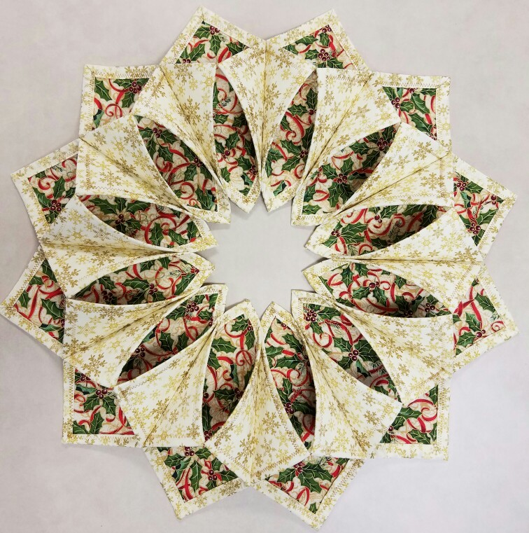 The Inspired Quilter: Fold n Stitch Wreath Shortcut Tutorial