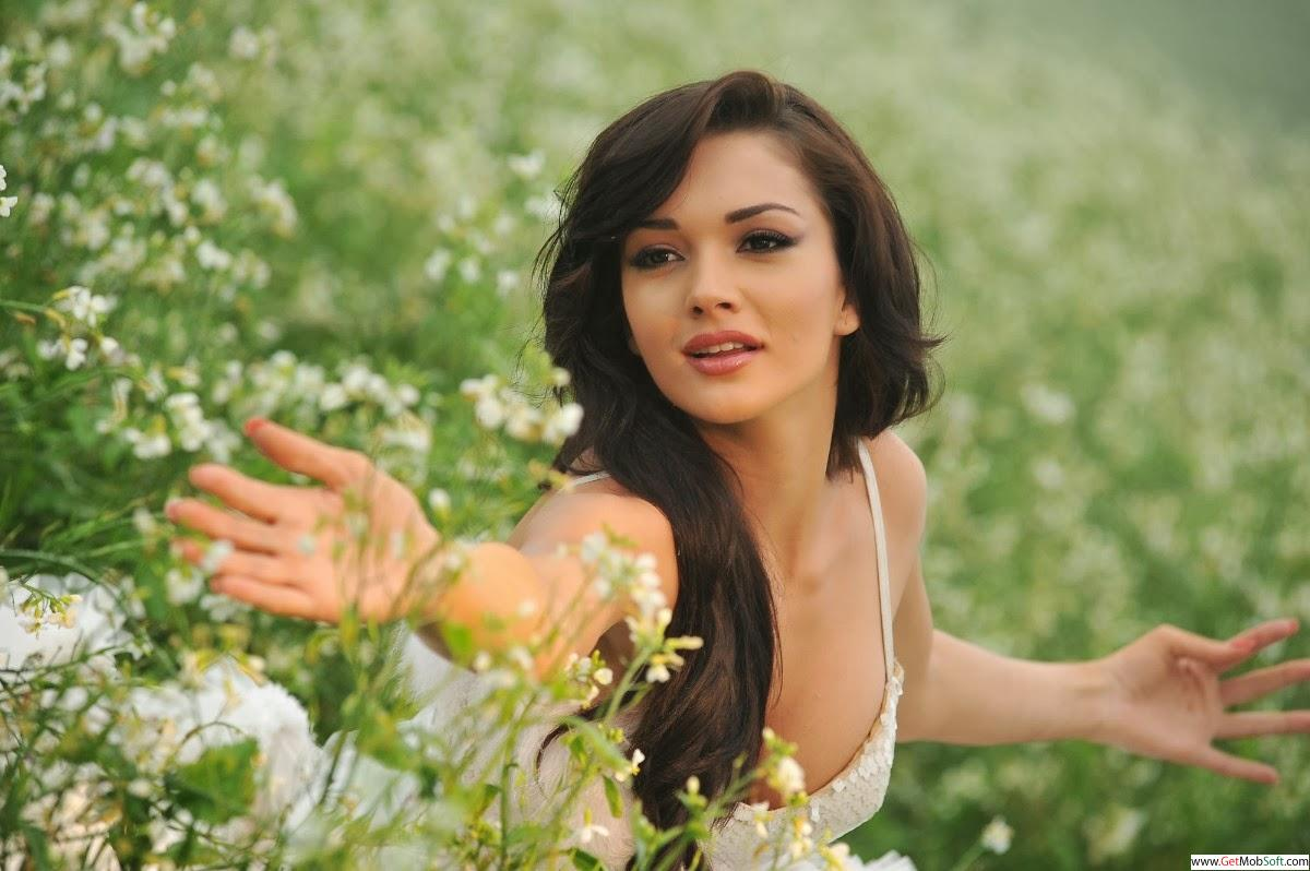 Amy jackson in I movie stills