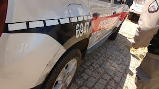 Em Picuí caminhonete em velocidade bate na lateral de viatura policial