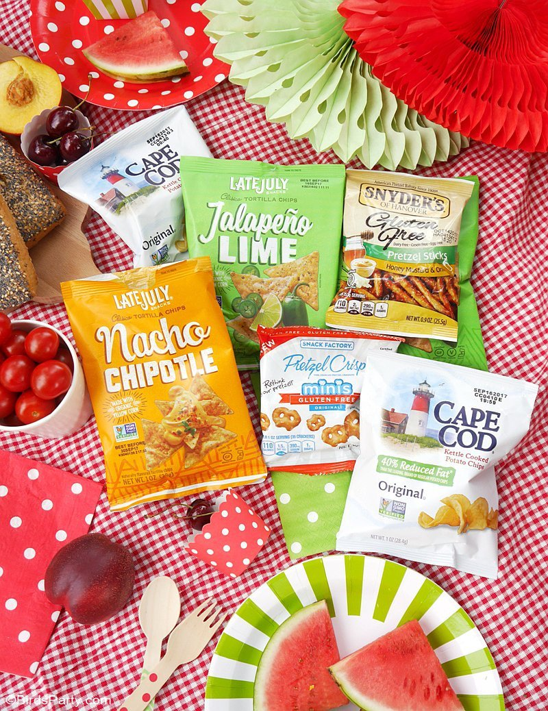 Tasty Ideas for the Perfect Summer Picnic Party - quick, easy, gluten-free and healthier picnic party food ideas & DIY decor! by BirdsParty.com @birdsparty