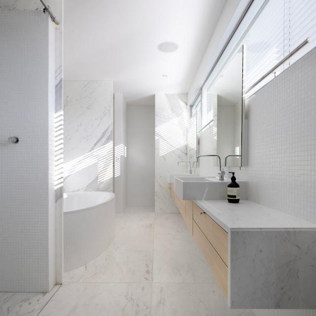 ห้องน้ำกระเบื้องหินแกรนิตสีขาว