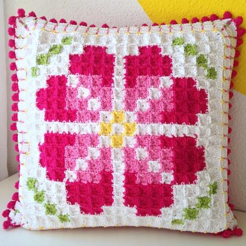Pixelated Cushion - Free Pattern