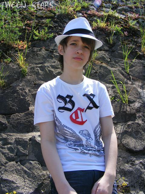Teen boy stars