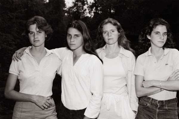 4 Sisters Take a Picture Every Year – 1975 through 2010