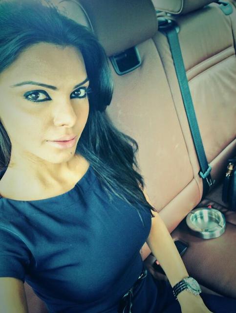Sherlyn-Chopra-Selfie-Picture