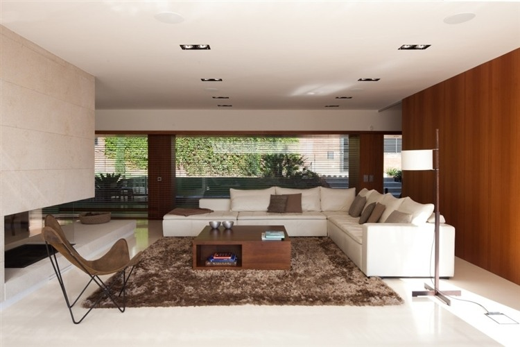 Casa bellaterra de ylab arquitectura y dise o los for Estudios de interiorismo barcelona