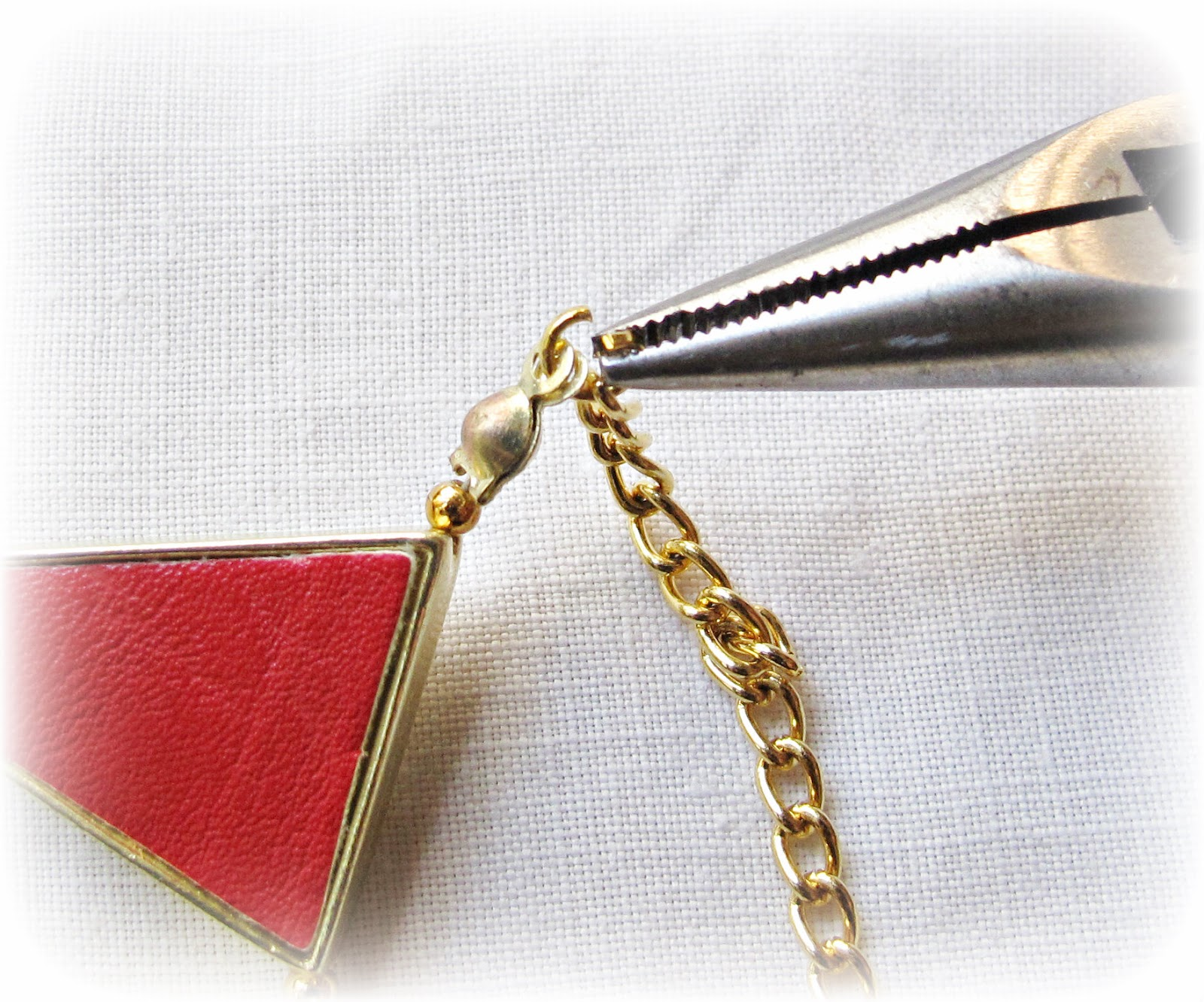 image diy tutorial bunting necklace refashion