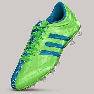 779aaa38e1fa The customization also extends to the color of the stripes and laces. As  far as the cleats ...