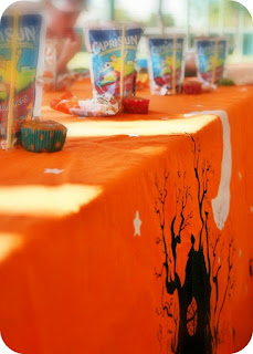 Bonggamom Finds Dress Up Your Halloween Table With