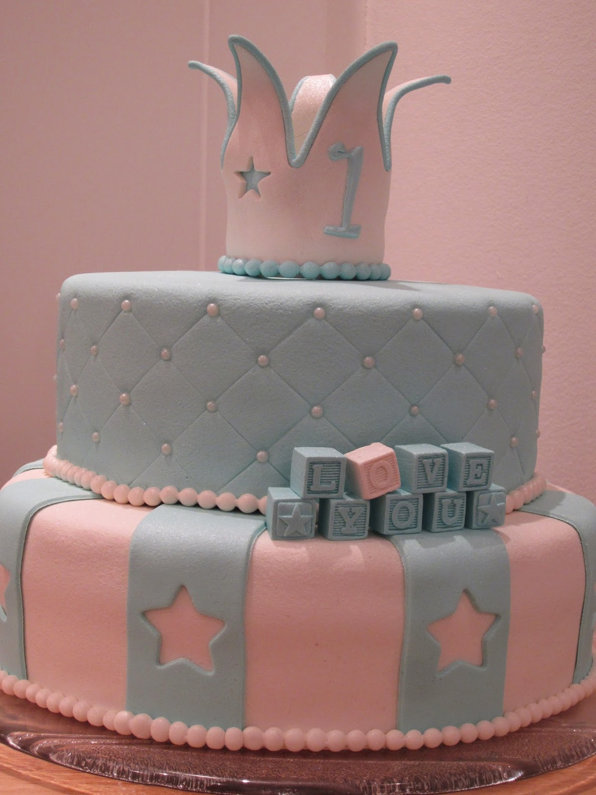 Hobbybakern The Sweet Life 1 229 Rs Kake Med Krone Og Stjerner