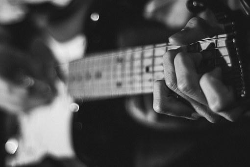 No hay excusa que valga... para no aprender a tocar la guitarra.