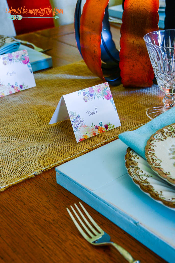 Free Printable Placecards | These jewel-toned watercolor printable placecards are a lovely addition to your fall table.