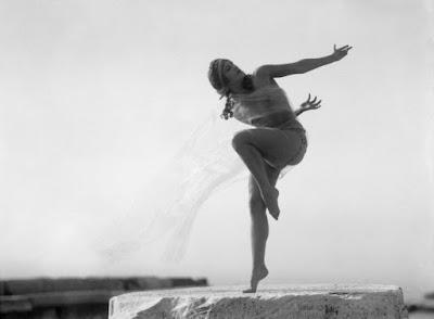 Η ιστορία της γυμνής φωτογράφισης στην Ακρόπολη το 1928