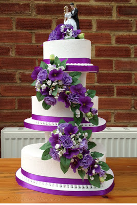 fake wedding cake hire uk theatrical threads theatre prop cakes for the wedding singer 14120