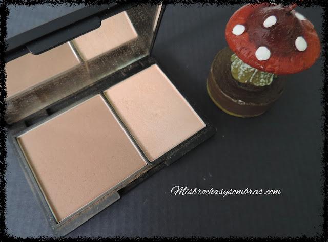 Face-Contour-Kit-Light-Sleek