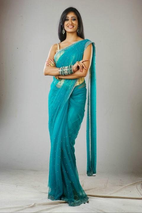 Shweta Tiwari in Saree - MIX STYLE  Shweta Tiwari i...