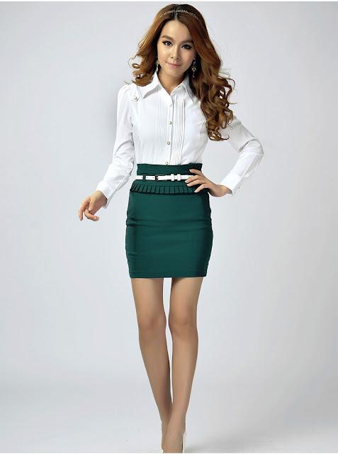 Model Kemeja Wanita Warna Putih Kasual Terbaru