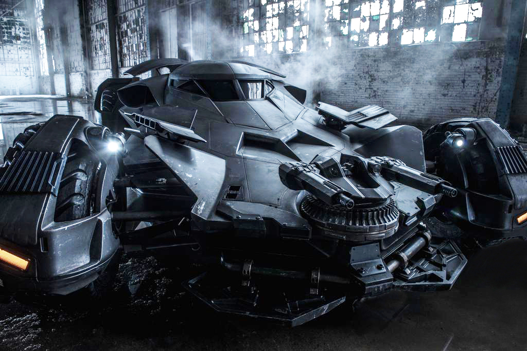 Noul Batmobil din Batman V Superman: Dawn Of Justice