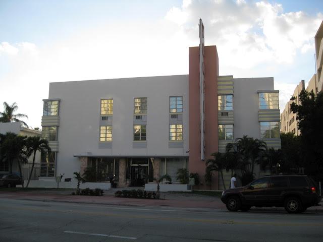 Miami Beach - Tropics Hotel
