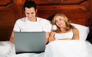 ТВ, ноутбук помеха сексу