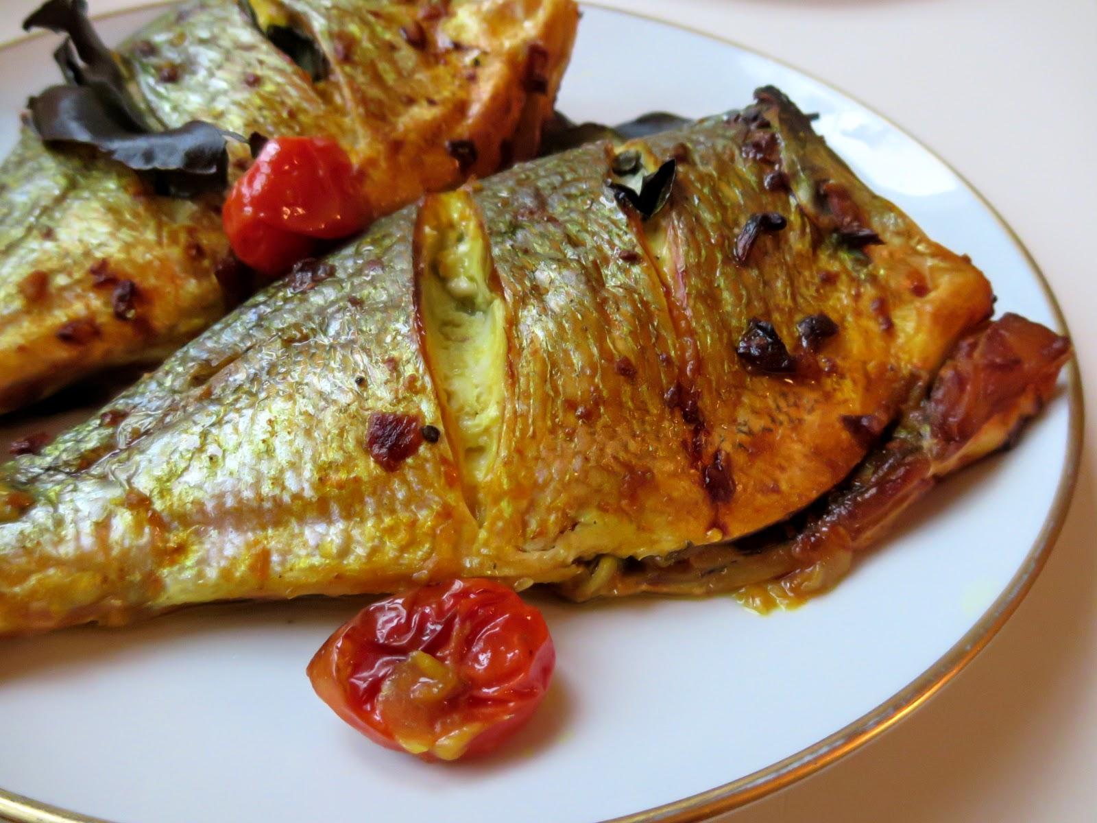 Gelbe Marinade für Fisch Grillen