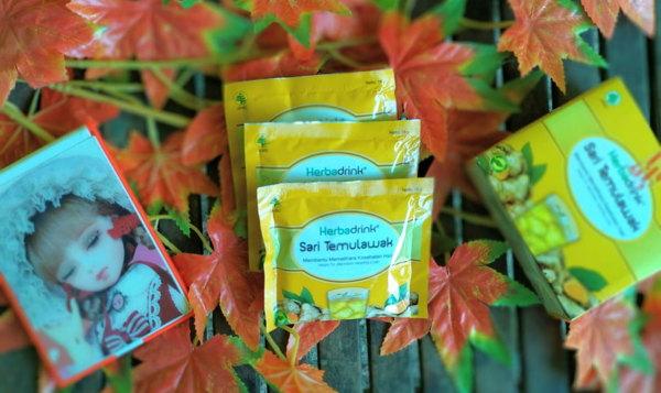 Herbadrink sari temulawak, sari jahe dan lidah buaya Minuman herbal berkhasiat dari bahan alami