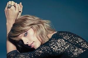 Taylor Swift on the cover of the new issue of Billboard Magazine