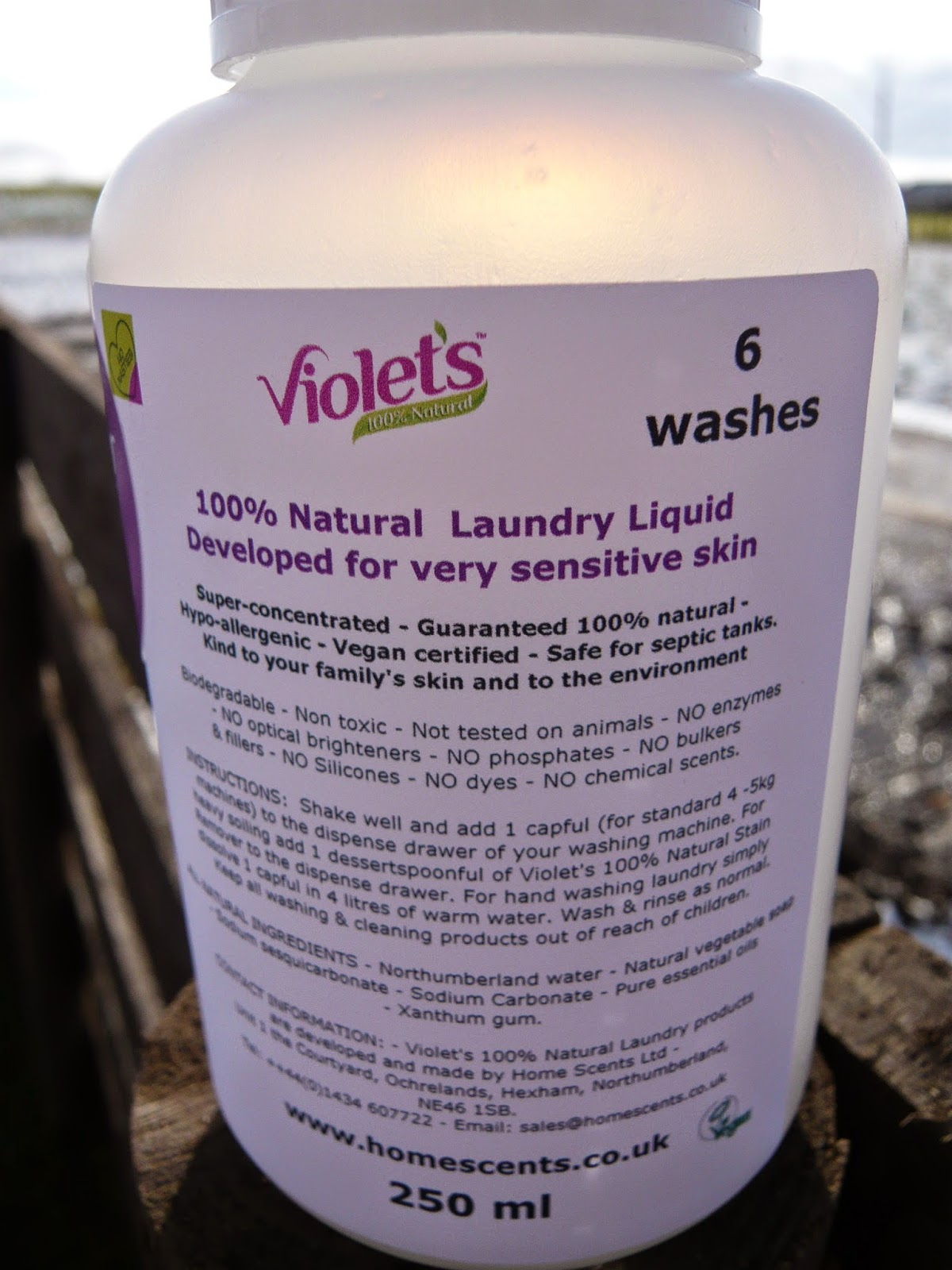 Violets 100% natural laundry liquid and softener