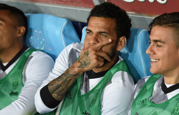 """Dani Alves: """"Buffon, Chiellini i Bonucci su legende ove igre"""""""