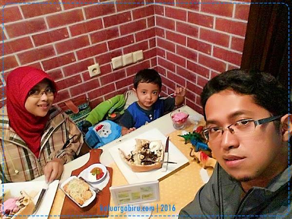 Ngemil Cantik di Toast Story Malang