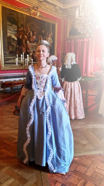 robe baroque sur mesure par couturière à Versailles