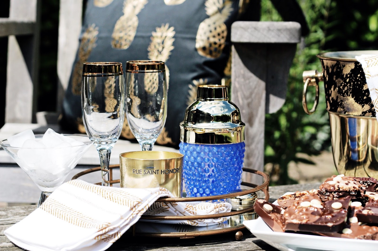 Luxury Outdoor Drinks Dining Setting