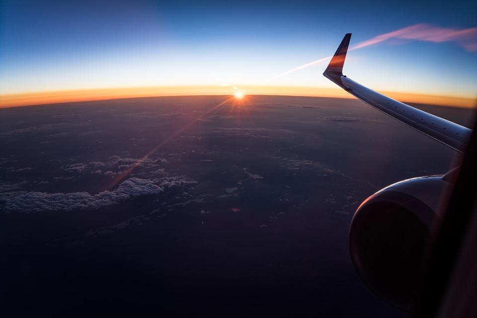 Tips Penting Buat Kamu yang Pertama Kali Traveling Pakai Pesawat