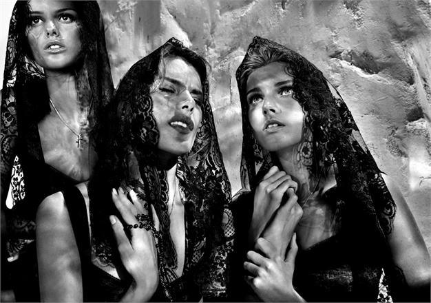dolce e gabbana 30 anni dolce e gabbana dolce e gabbana a napoli mariafelicia magno fashion blogger colorblock by felym fashion blogger italiane blogger italiane blog di moda fashion bloggers italy dolce and gabbana in naples migliori campagne pubblicitarie dolce e gabbana