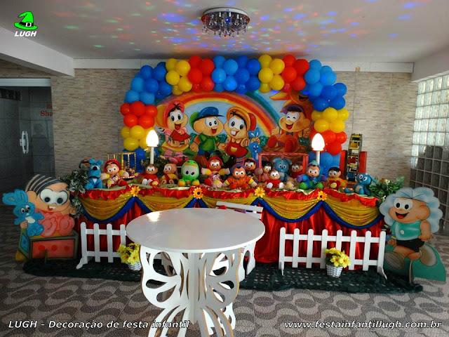 Decoração festa Turma da Mônica para festa de aniversário infantil em mesa tradicional forrada com toalhas de tecido