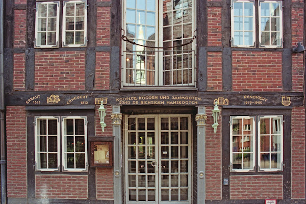 Hambourg, Reimerstwiete, Kooplüd Koggen und Janmooten sünd de Richtigen Hanseooten, © L. Gigout, 1990