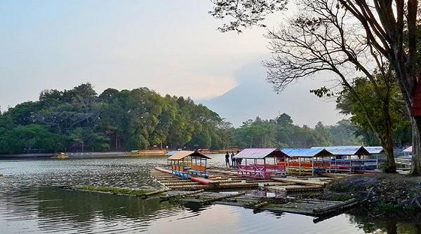 Tempat wisata di garut Situ Cangkuang