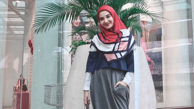 Lima Tahun Berhijab, Zaskia Sungkar Jadikan Masa Lalu Spion