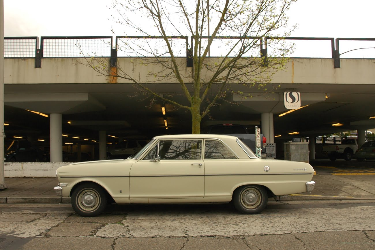 OLD PARKED CARS.: 1963 Chevrolet Chevy II 300.