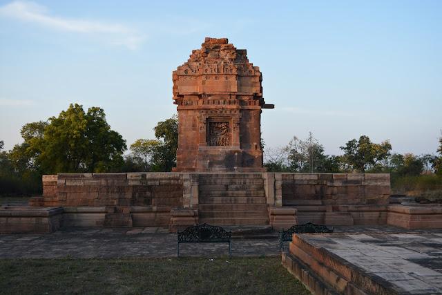 Image result for यहाँ जाने रामगढ़ की इस टूटी झरना मंदिर के बारे में कुछ राज़ की बात