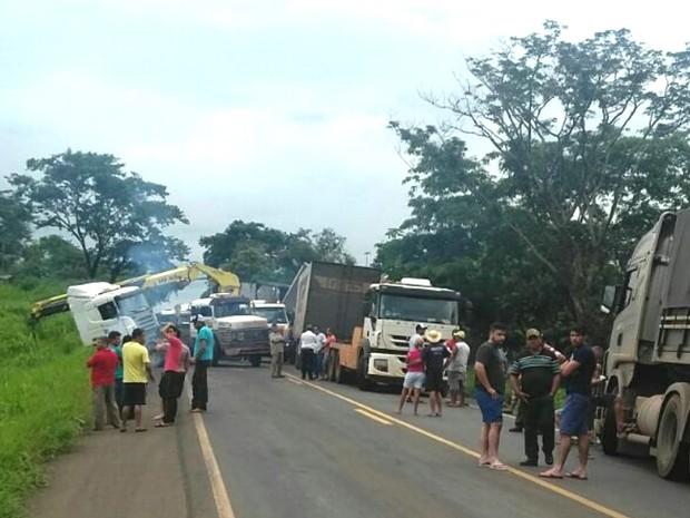 Acidente causa mais de 20 km de congestionamento na BR 364