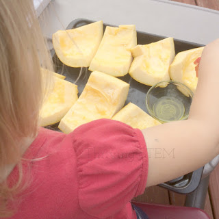 How to have an amazing day preparing pumpkin with your preschooler