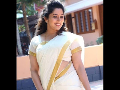 Malayalam actress runty hot in saree