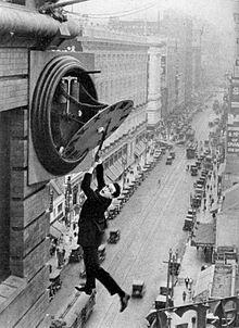 Harol Lloyd en «El hombre mosca» (1923)