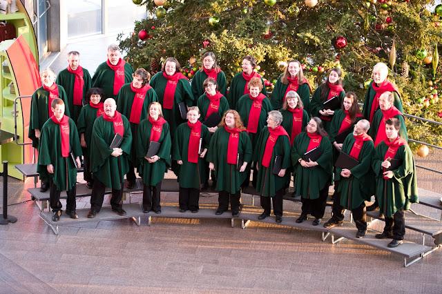 Prestation de la chorale au Musée des beaux-arts du Canada (crédit photo : Farris-Manning Photography)