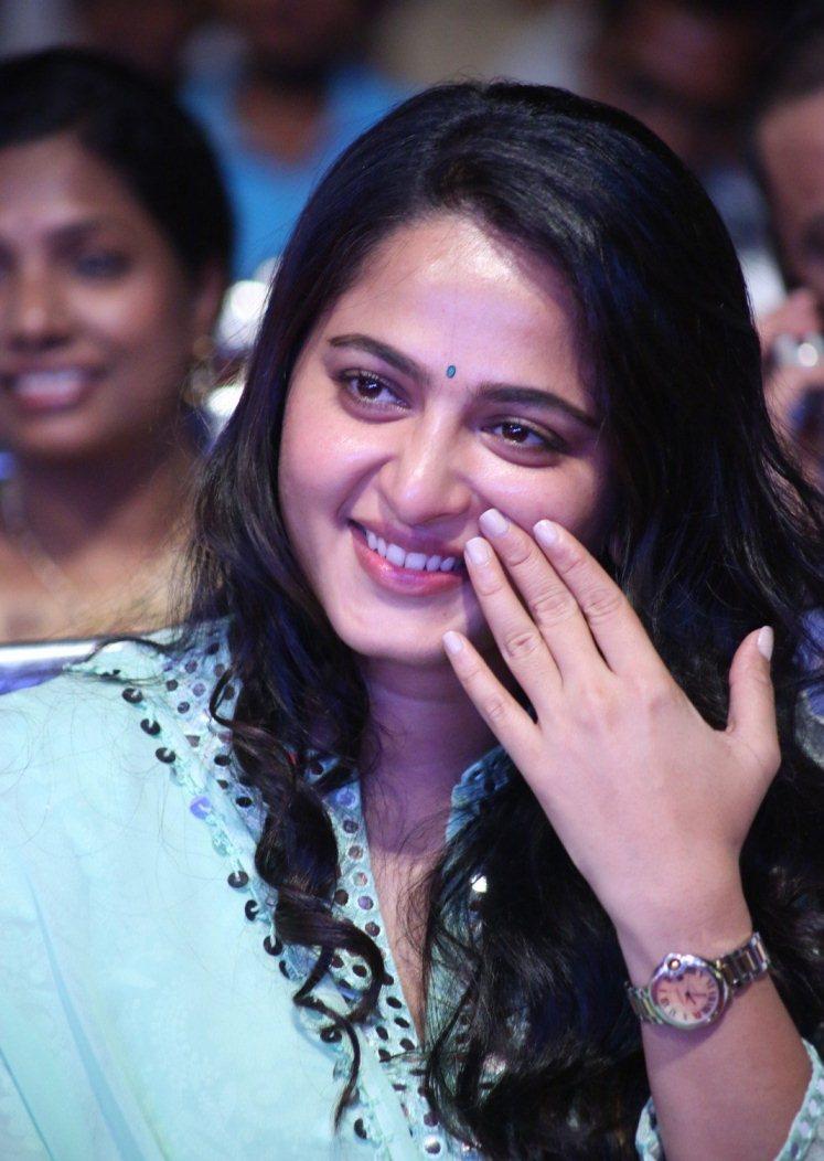 Indian Hot Girl Anushka Shetty A Film Lancement Audio In-9145
