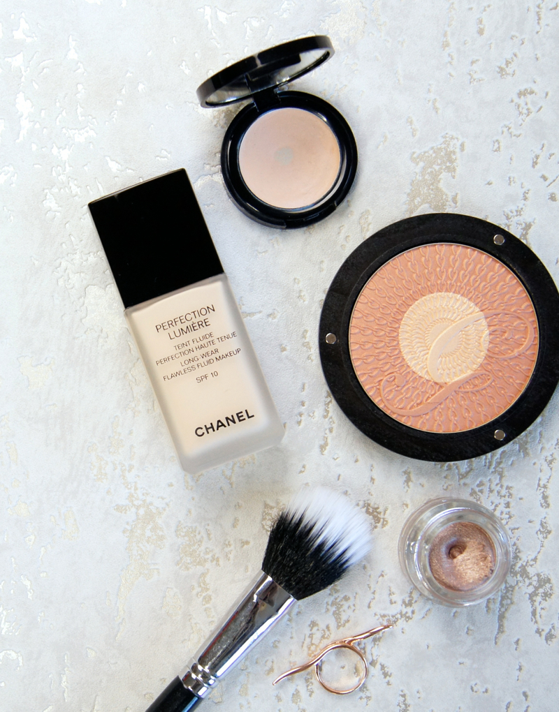 chanel perfection lumiere foundation review swatch b10 long wear flawless medium coverage buildable base semi matte finish luminous not cakey lightweight